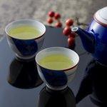 花粉症を抑えるには緑茶!?花粉症対策が期待できる飲み物や習慣を紹介!