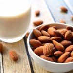 アーモンドミルクって身体に良いの?アーモンドミルクに含まれる栄養素と期待できる効果について解説!
